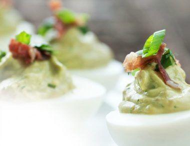 guacamole deviled eggs featured image