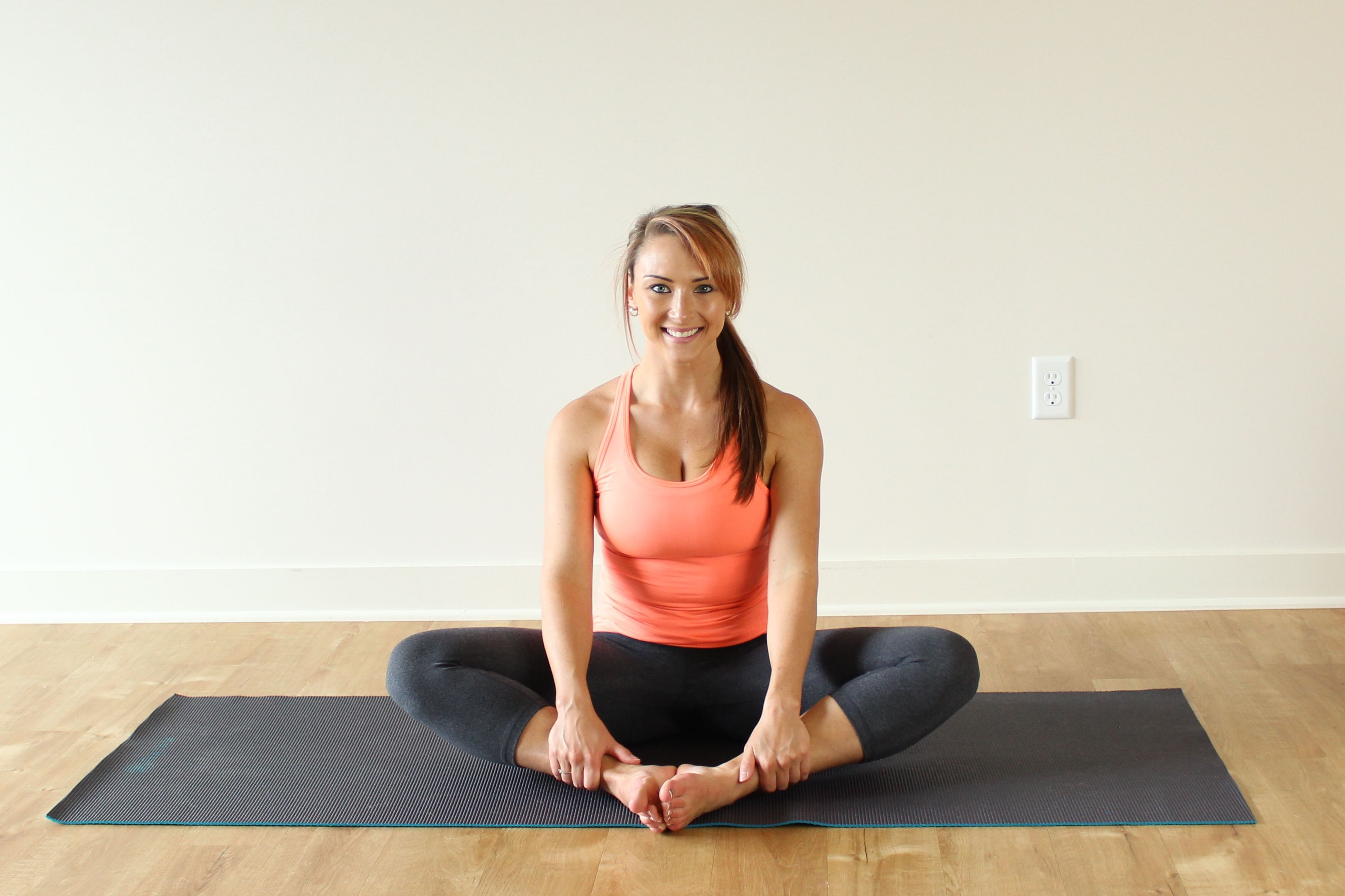 8 Yoga Hip Stretches That Feel Amazing Gentle Easy