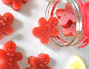 Strawberry-Lemon Gingerbread Men Gummies