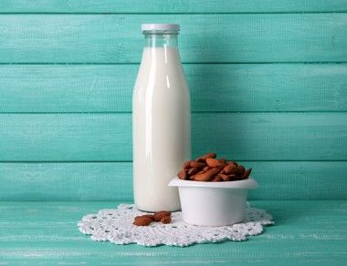 Almond Milk Nutrition: Healthy Alternative or Harmful Scam?