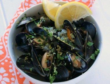 Garlic Mussels in White Wine Recipe
