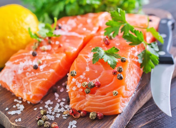 How to eat safe healthy salmon salmon dinner for two recipe here are some of the most important reasons why you should make wild caught salmon the kind you can order direct from suppliers like alaska gold seafood ccuart Gallery
