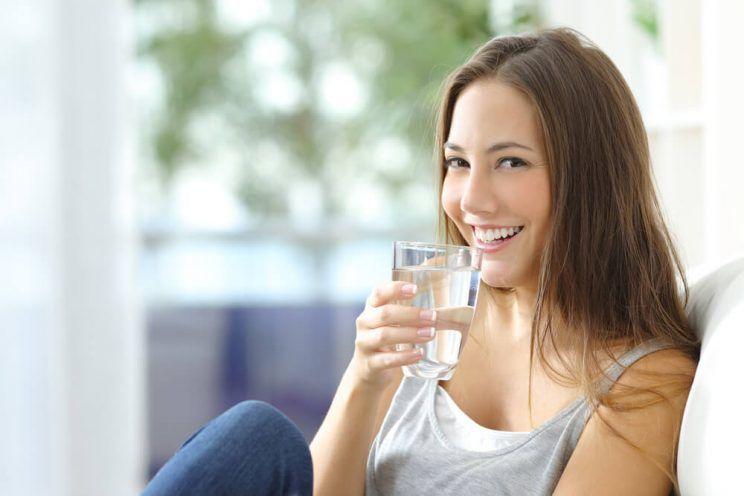 Girl-drinking-water-e1465008203148.jpg