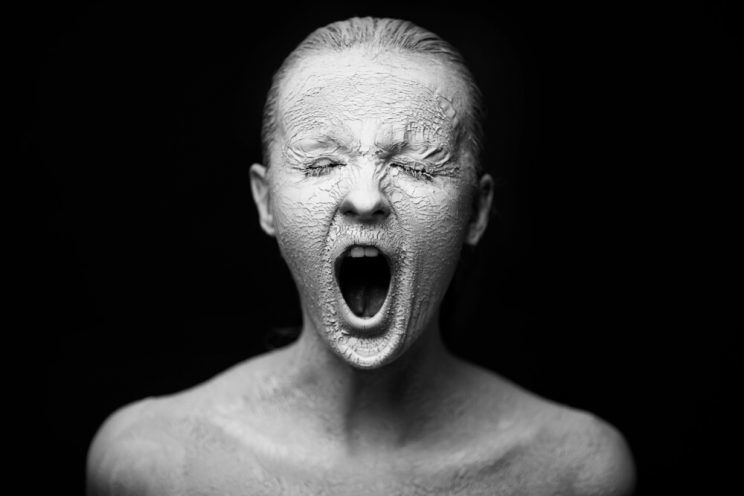 woman-with-super-dry-skin-screaming-e1465029161761.jpg
