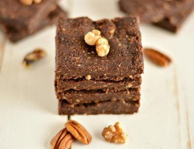 Energizing No-Bake Maca Brownies