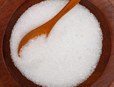 15 Amazing Epsom Salt Benefits & Uses