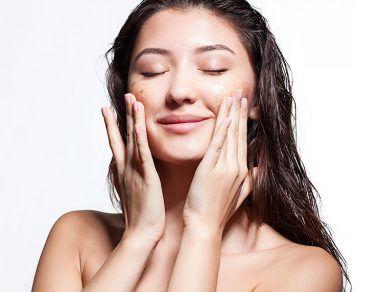 7 Natural Skin Benefits of Coffee (Plus DIY Scrub + Face Masks)