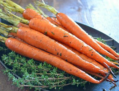 maple glazed carrots featured image