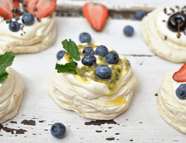 Paleo Pavlova with Gooey Marshmallow Center