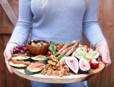 How to Make a Healthy Charcuterie Board