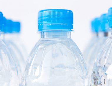 5 Dangers of Drinking Bottled Water (& 7 Healthier Alternatives)