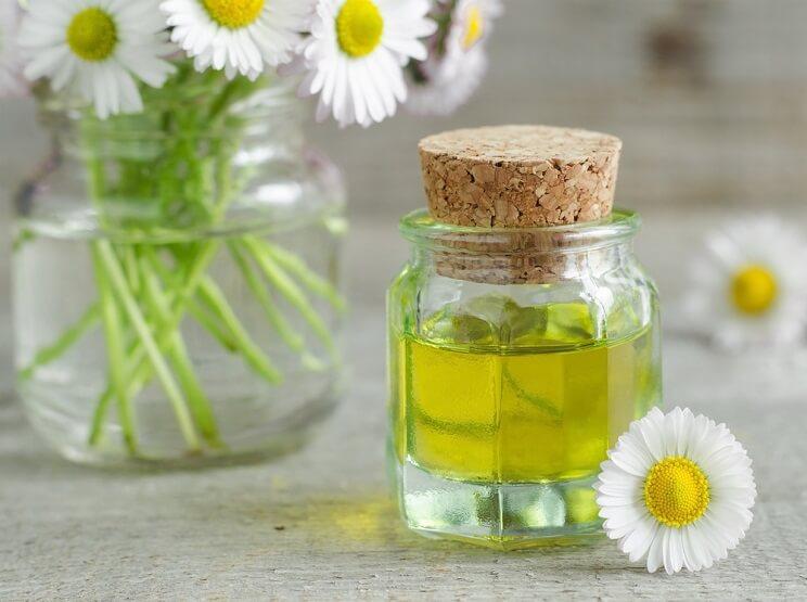 using-chamomile-oil.jpg