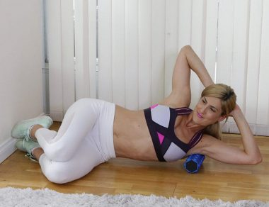 5 Exercises for New-Mom Shoulder Pain