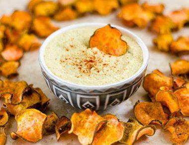 Crock Pot Cauliflower 'Cheesy' Dip