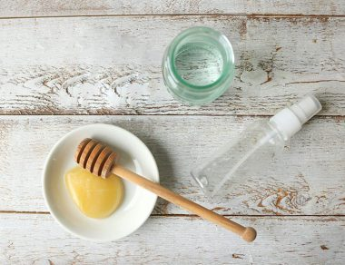 DIY Sore Throat Spray with Honey & Clove