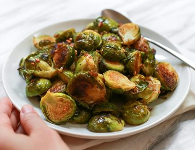 Crispy Garlic Brussels Sprouts