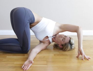 7 hip  back stretches to help you sleep faster than ambien
