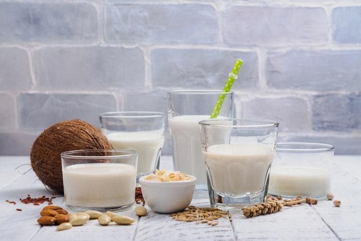 Assortment-of-non-dairy-vegan-milk-and-ingredients.jpg