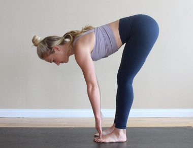 The Touch-Your-Toes Challenge: How to Touch Your Toes in 7 Days!