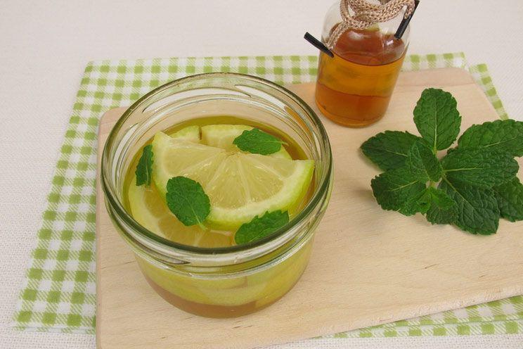 Apple-Cider-Vinegar-Mint-Lemon-Water.jpg