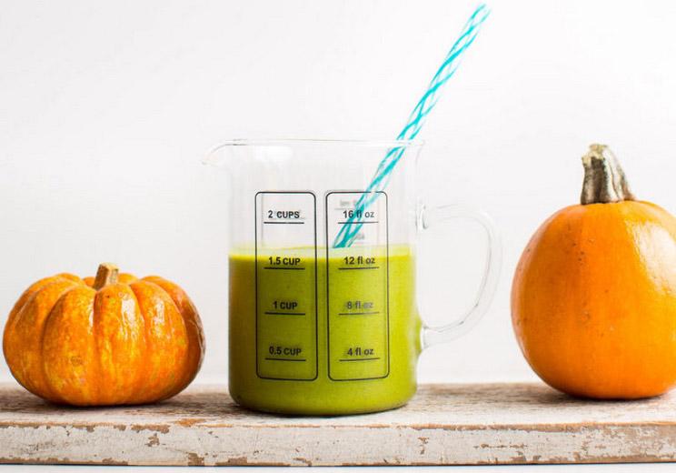 Pumpkin-Pie-Green-Smoothie.jpg