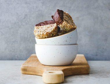 Raw Dark Chocolate Almond Cups (No Bake!)