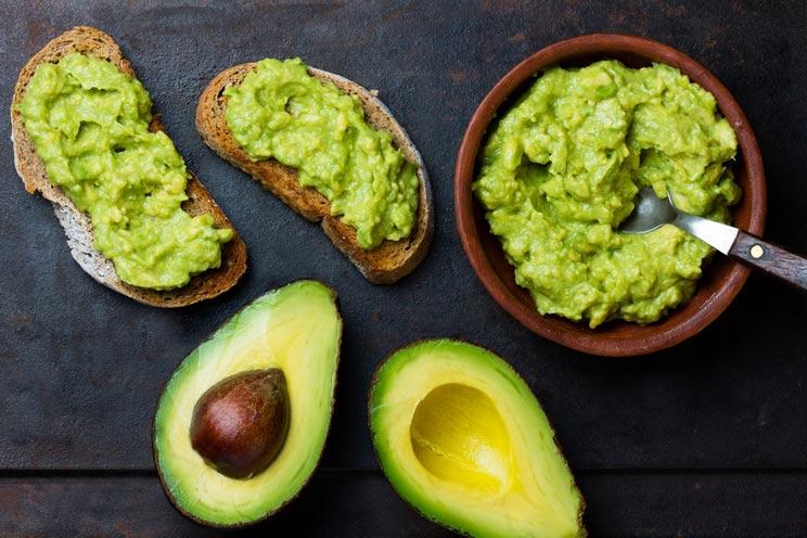 Sauce-guacamole-with-avocado.jpg