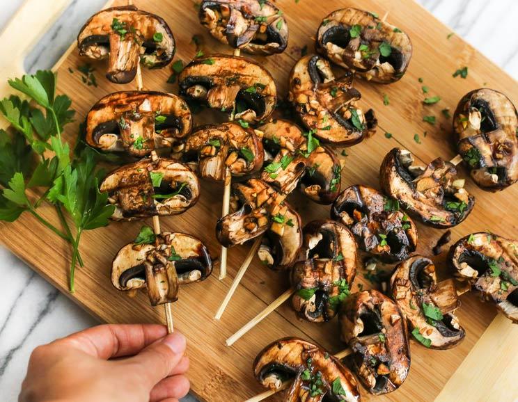 Grilled-Balsamic-Garlic-Mushroom-Skewers-578.jpg