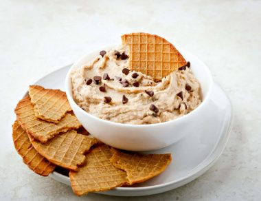 Divinely Delicious Cannoli Dip