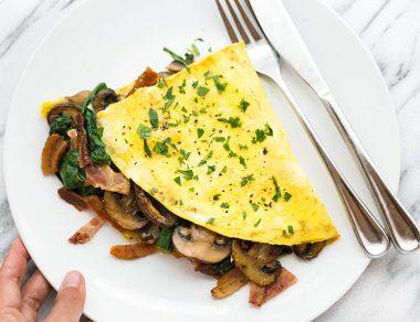 Keto Bacon Mushroom Spinach Omelette