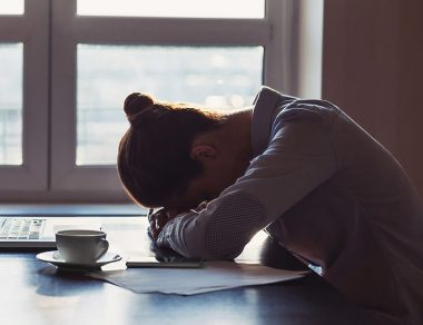 """When It's More Than """"Just Tired"""" – 8 Signs You Have Chronic Fatigue Syndrome"""