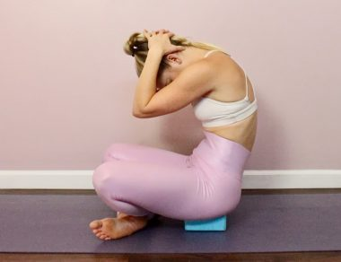 7 Gentle Yoga Poses to Release a Frozen Shoulder