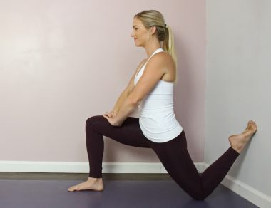 This 3-Minute Hip Stretch Feels Amazing After Sitting All Day