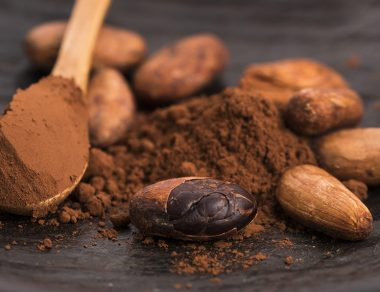 12 Amazing Benefits of Raw Cacao (& Delicious Ways to Eat It)